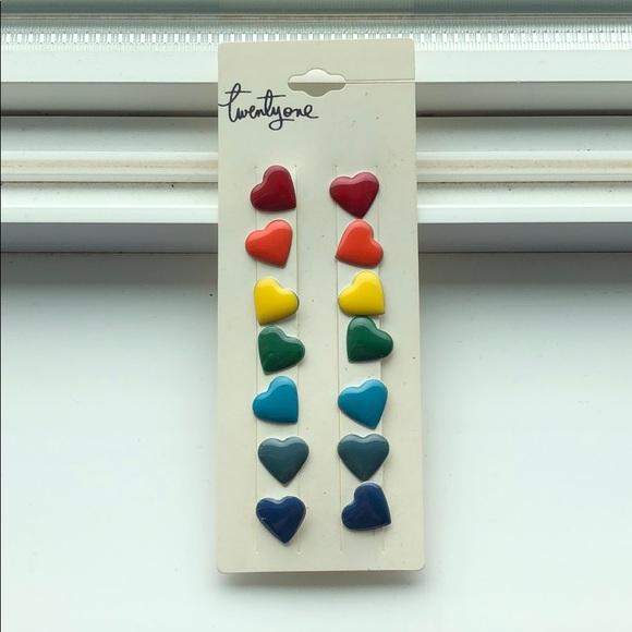FREE ADD-ON - F21 heart stud earrings